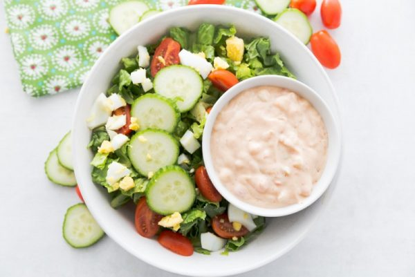 Не используйте табаско, если вы используете острый соус чили. Также вы можете использовать томатную пасту, чтобы сделать соус несколько мягче.